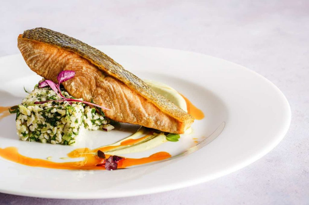 oily fish is good for a menopause diet